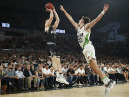 Mitch McCarron of United shoots during the round one NBL match between Melbourne United and the South East Melbourne Phoenix at Melbourne Arena on October 03, 2019 in Melbourne, Australia. (Photo by Daniel Pockett/Getty Images)