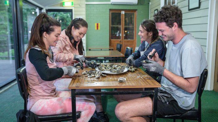 The Amazing Race Australia - Ashleigh Amanda & Skye-Blue Jake (image - 10)