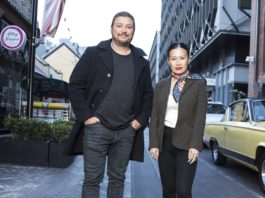 SCOTT PICKETT AND POH LING YEOW (image - Channel 9)